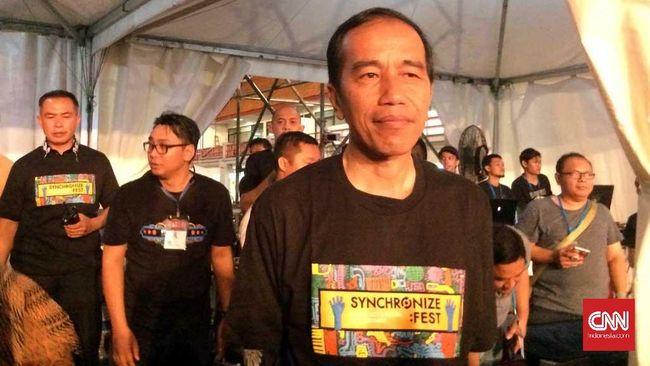 Malam Mingguan, Jokowi Tonton Ebiet G. Ade dan Deadsquad