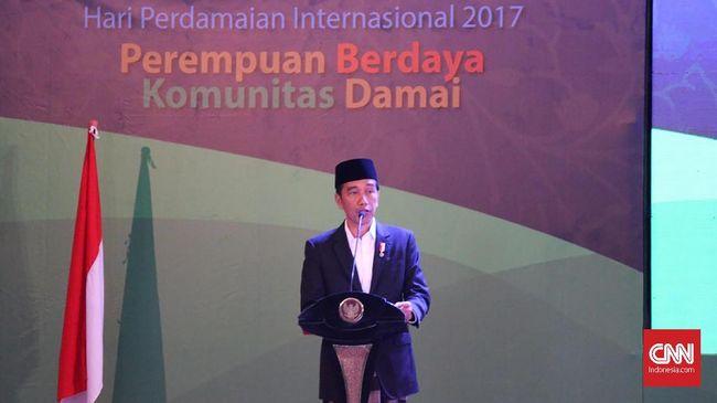 Jokowi Ceramahi Santri Soal Bahaya Medsos