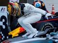 FOTO: Musibah Vettel Jadi Berkah Hamilton