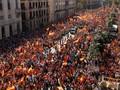 Ratusan Ribu Warga Spanyol Demo Tolak Kemerdekaan Catalonia