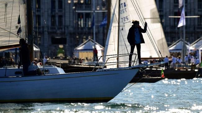 Berbagai kegiatan menarik berlangsung selama ajang yang digelar di Teluk Trieste, yang diapit Italia, Slovenia dan Krosia ini. Mulai dari lomba adu balap yacht, lomba kite-surfing sampai pesta kuliner wine dan seafood.