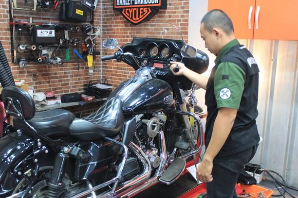 Intip Bengkel Umum Harley-Davidson