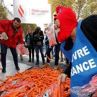 Kementerian Kesehatan Prancis menyebut seperempat orang dewasa di negara tersebut adalah perokok. Di kalangan muda, 30-40 persen remaja usia 15-24 tahun rutin merokok. (Foto: REUTERS/Philippe Wojazer)