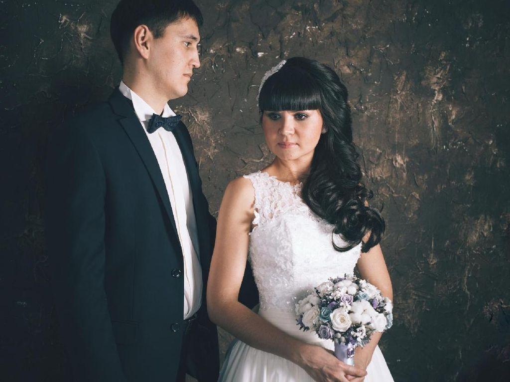Balas Dendam, Suami Putar Video Perselingkuhan Istri di Resepsi Pernikahan