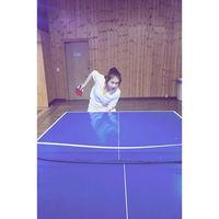 Kalau sedang iseng, wanita melambung lewat perannya di film Sunny dan variety show We Got Married Season 3 ini memilih untuk bermain pingpong. (Foto: Instagram @reveramess_)