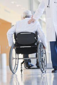 Selain penyakit jantung, malas menggososk gigi juga bisa sebabkan stroke.