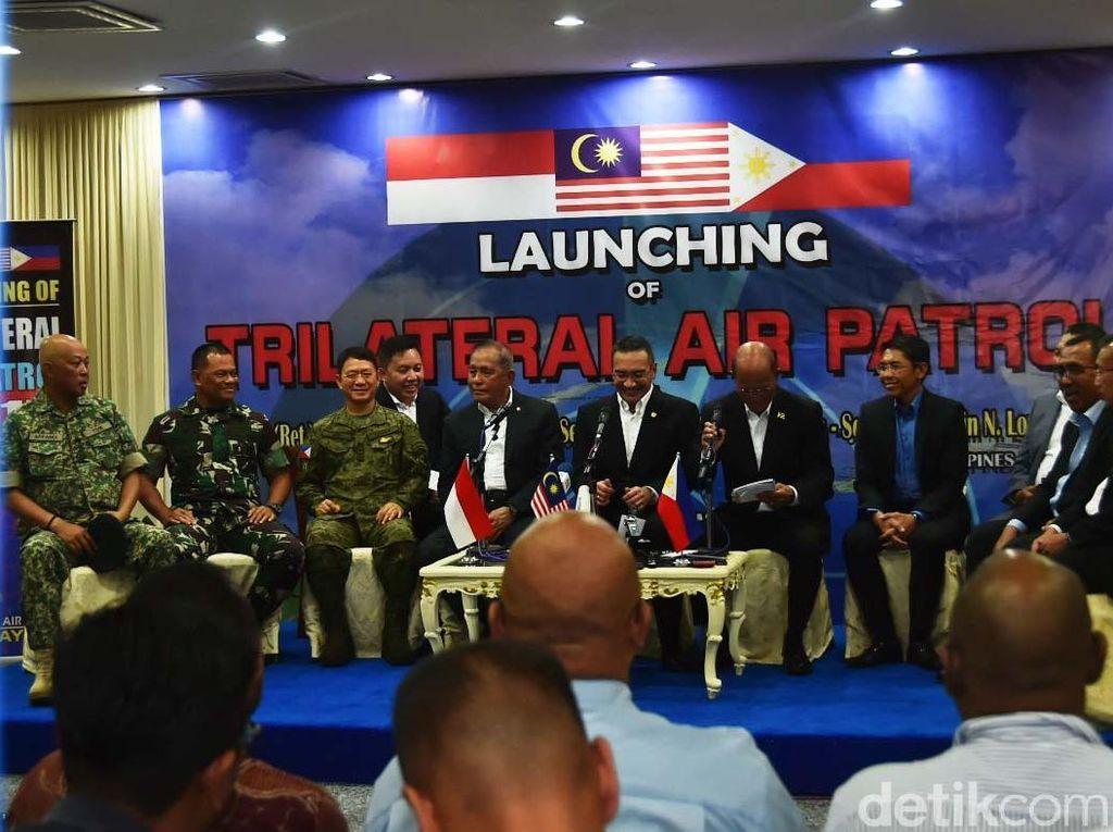 Kegiatan Trilateral Air Patrol 2017 ini diharapkan memberikan rasa aman bagi para pengguna lintas laut yang berada di kawasan tersebut (Puspen TNI)