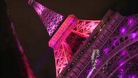 Kampanye kanker payudara unik lainnya yang pernah ada adalah pemasangan lampu berwarna merah muda pada bangunan-bangunan populer. Di antaranya bangunan yang pernah membantu kampanye kanker payudara seperti Menara Eiffel di Perancis dan Istana Buckingham di Inggris. Foto: Youtube