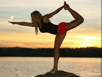 Lauren percaya bahwa gaya hidup yang aktif merupakan kunci panjang umur. (Foto: instagram/laurendrainfit)