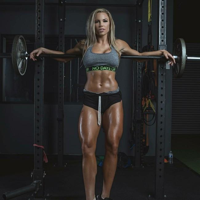 Potret Model Fitness yang Juga Disebut Perawat Terseksi Sedunia - 7