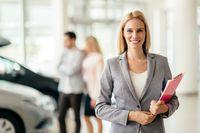 Secara umum mereka yang bekerja di bidang sales juga perlu memerlukan fisik lebih bugar dari yang lain. Alasannya karena setiap hari orang yang bekerja di bidang ini bisa menghabiskan waktunya berdiri, jalan, atau lari-larian sepanjang hari. Foto: Thinkstock