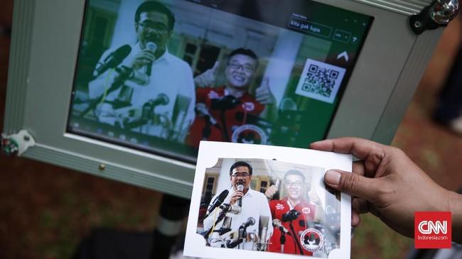 Kegiatan diselenggarakan sebagai penyampaian apresiasi kepada Gubernur DKI Jakarta periode 2012-2017 yang dipimpin Jokowi, Ahok, dan Djarot. di Lapangan Banteng, Jakarta, Sabtu (14/10). (CNN Indonesia/ Hesti Rika)