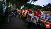 Warga mulai berdatangan dari siang hingga malam di acara Kaleidoskop dan Terima Kasih Gubernur 2012-2017, Lapangan Banteng, Jakarta, Sabtu (14/10). (CNN Indonesia/ Hesti Rika)