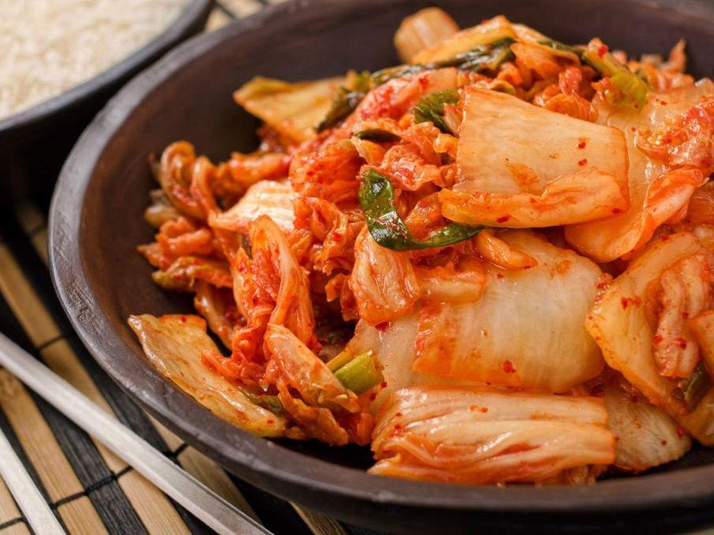 Ini Efeknya Bagi Tubuh Jika Kebanyakan Makan Kimchi