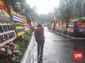 Balai Kota Diguyur Hujan Jelang Pesta Menyambut Anies-Sandi