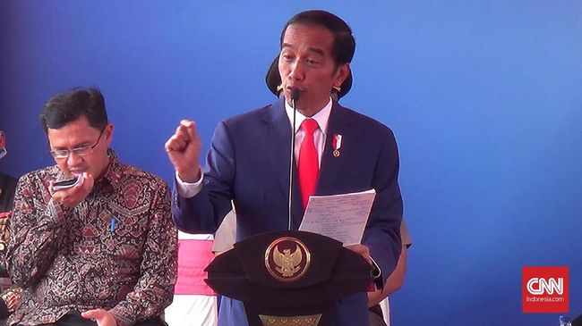 Jokowi Usul Undip Bikin Jurusan 'Meme'
