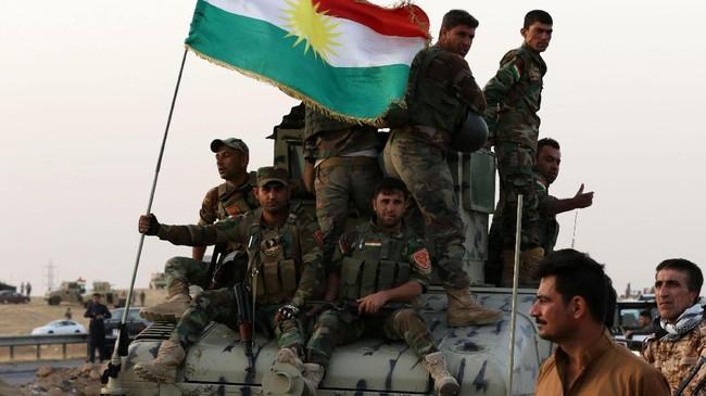 <p>Pertempuran antara Baghdad dan Kurdi bisa kembali membuka perang saudara baru di antara konflik yang sudah berlangsung selama 14 tahun. Belum lagi, negara-negara sekitar seperti Turki dan Iran bisa terlibat dalam konflik. (AFP Photo/Safin Hamed)</p>