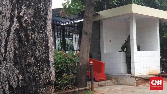 Pria Malaysia Sempat Titipkan Tas ke Pedagang di Polda Metro