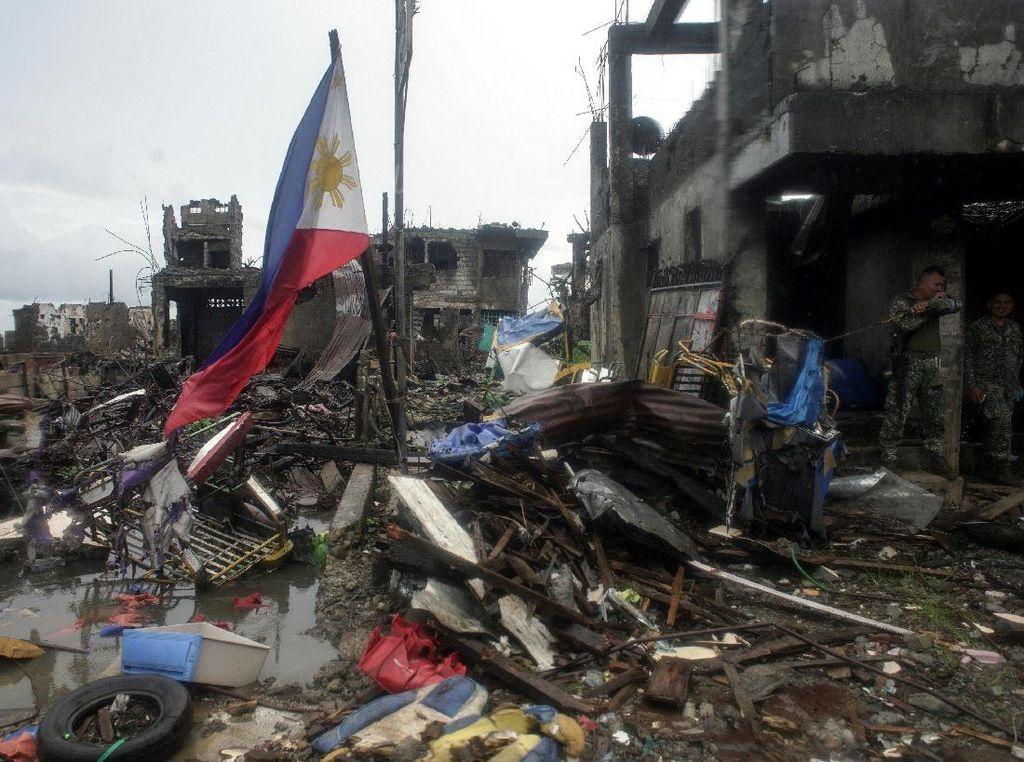 Diperkirakan biaya yang diperlukan untuk merestorasi kota Marawi ke kondisi awalnyaakanmencapai 1 milyar dolar AS.