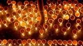 Bagi kebanyakan umat Hindu, Diwali menandai kembalinya dewa-dewa, Rama dan Sita ke Ayodhya setelah 14 tahun diasingkan. (REUTERS/Dinuka Liyanawatte TPX IMAGES OF THE DAY)