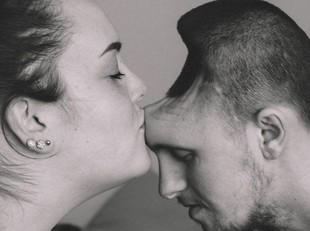 Kisah Cinta Sejati, Istri Dampingi Suami Difabel yang Kepalanya Berlubang