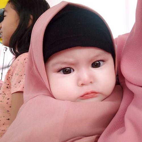 Ini Naura Alaydrus Bayi  Tahun Yang Populer Karena Berhijab