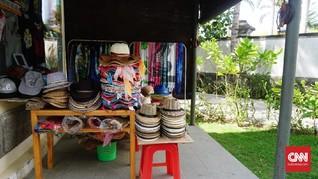 'Membeli' Oleh-oleh Senyum dan Amal di Bali