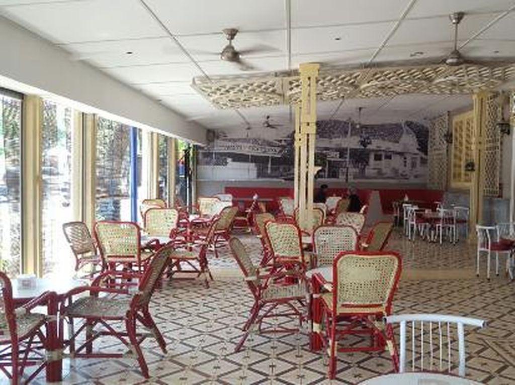 Nah, kalau ke Surabaya Anda bisa mampir ke Zangrandi. Buka sejak tahun 1930, Zangrandi jadi toko es krim paling tua di Surabaya. Foto: Istimewa