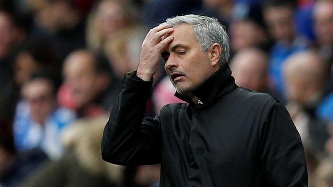 Mourinho Pasrah Man United Tak Bisa Belanja Banyak Pemain