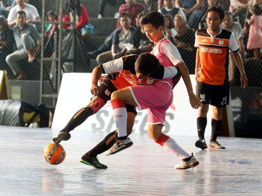 Fase pertama, yaitu regional, telah digelar di 20 arena futsal yang berada di Jawa Barat, DKI, an Banten.