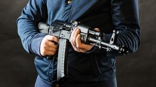 Bersikap Aneh dan Punya Senjata Api, Mahasiswa Dideportasi