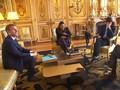 VIDEO: Tingkah 'Menjijikkan' Anjing Presiden Perancis