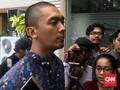 Komika Uus Bersaksi untuk Nikita Mirzani di Polda Metro Jaya