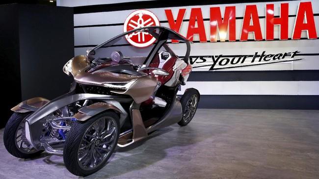MWC-4 Leaning Multi-Wheelmenawarkan motor dengan konsep baru.Selain mengandalkan performa, Yamaha juga mempertimbangkan kompartemen lapang di bagian belakang.(REUTERS/Toru Hanai)