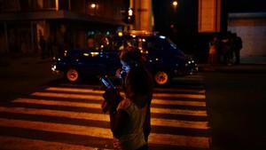 FOTO: Tren WiFi Baru Menjamur di Kuba