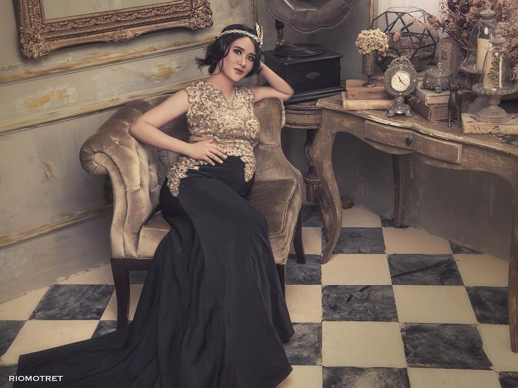 Cantik Banget, Foto Hamil 6 Artis Indonesia dengan Perut Buncit