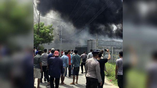 Pabrik Kembang Api Tangerang Terbakar, Belasan Orang Terluka