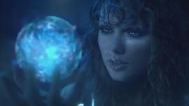 Taylor Swift Bawa Tema Futuristis di Video '...Ready for it?'