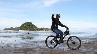 Menpora Minta Presiden Jokowi Restui Hari Bersepada Nasional