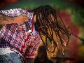 Goyang Reggae Bius Ribuan Orang di Perbatasan Papua