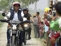 Naik Motor Trail, Jokowi Tinjau Tambak Udang Muara Gembong