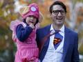 Justin Trudeau Bikin Heboh Halloween dengan Kostum Superman