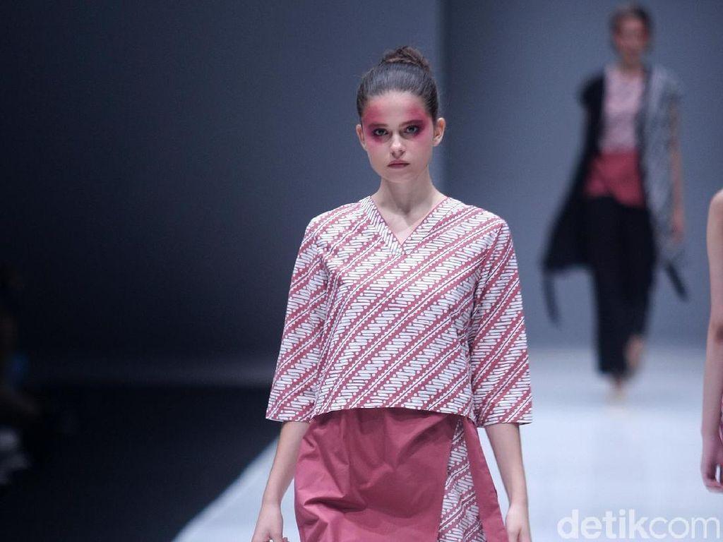 Foto: 12 Koleksi Batik Modern dari Pop.U by Populo Batik