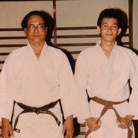 Dan ternyata, kebiasaan hidup sehat Marcelino pun diturunkan dari ayahnya lho. Mereka kerap berlatih judo bersama-sama. Pantas saja ia kerap bermain sinteron laga. (Foto: Instagram @marcelinolefrandt)