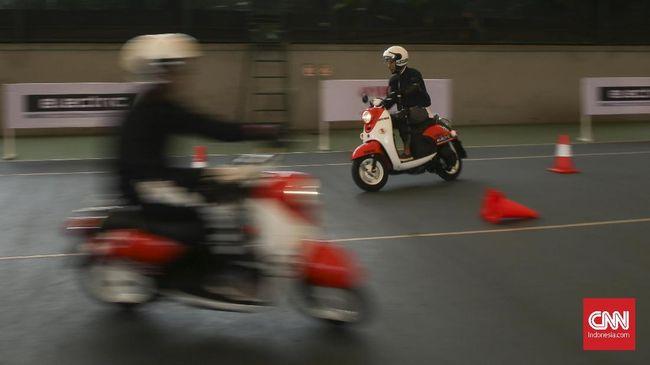 Soal Honda PCX Listrik, Yamaha Bilang Baterai Mahal
