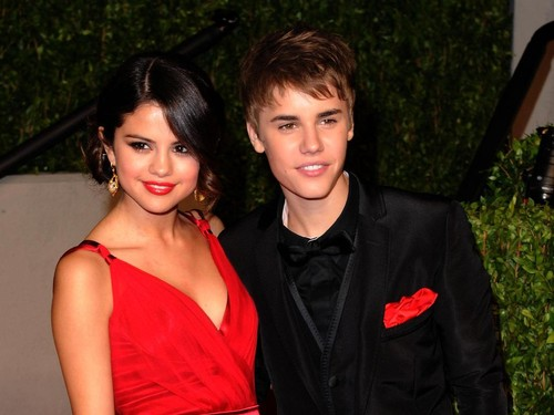 Ibu Selena Gomez Bicara Soal Hubungan Asmara Anaknya dan Justin Bieber