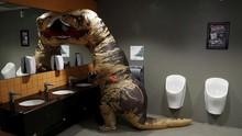 5 Tips Buang Hajat Lebih Elegan di Toilet Kabin Pesawat