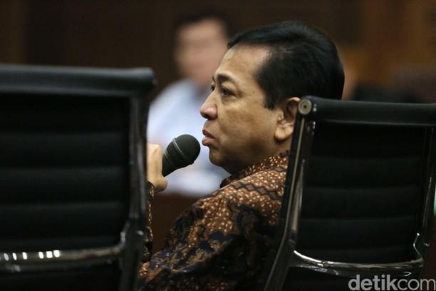 Foto: Rambut-rambut Halus di Wajah Novanto yang Tampak Tak Terurus