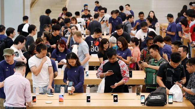 Sejumlah analis memprediksi kemunculan iPhone X di pasaran bisa mendongkrak profit perusahaan. (REUTERS/Edgar Su)