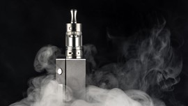 Studi: Vape Sama Bahayanya dengan Rokok Konvensional